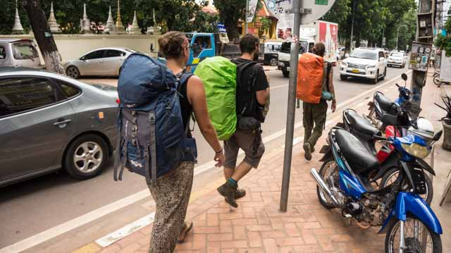 eerste keer backpacken tips laos vientiane