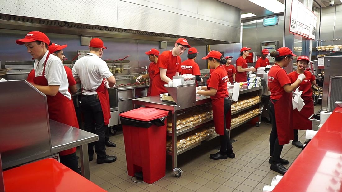 wat te doen in dubai five guys