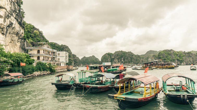 route vietnam halong bay