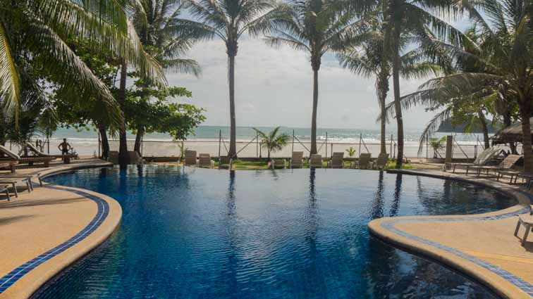 Noble House Resort, Ko Lanta, Thailand. Review. Zwembad