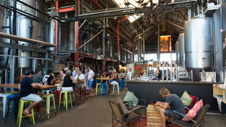 gratis bier proeven in fremantle bij de little creatures brewery
