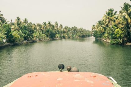 Kerala Backwaters. Vanuit de boot