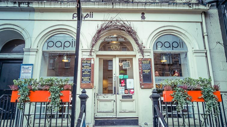 Eten en drinken in Edinburgh: Papii Cafe